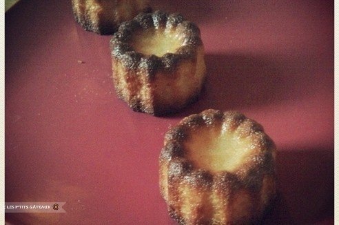 Cannelés bordelais